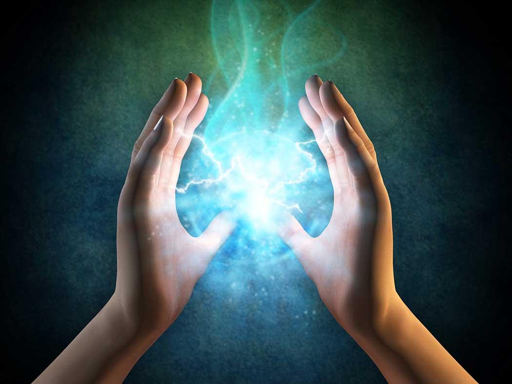 Visualisierung von Energie zwischen zwei Händen - Chirotherapie Kolbermoor